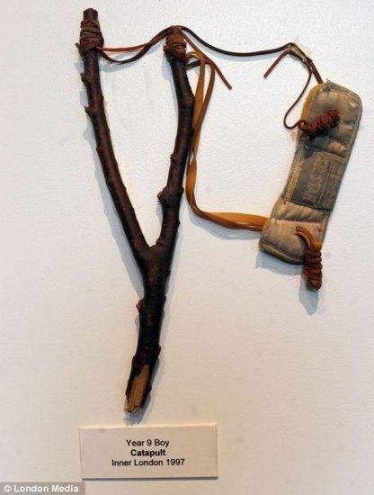 Лондонский учитель показал коллекцию конфискованного у школьников оружия за 30 лет. Изображение № 4.