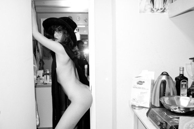 Актриса Пас де ла Уэрта снялась у Терри Ричардсона. Изображение № 10.