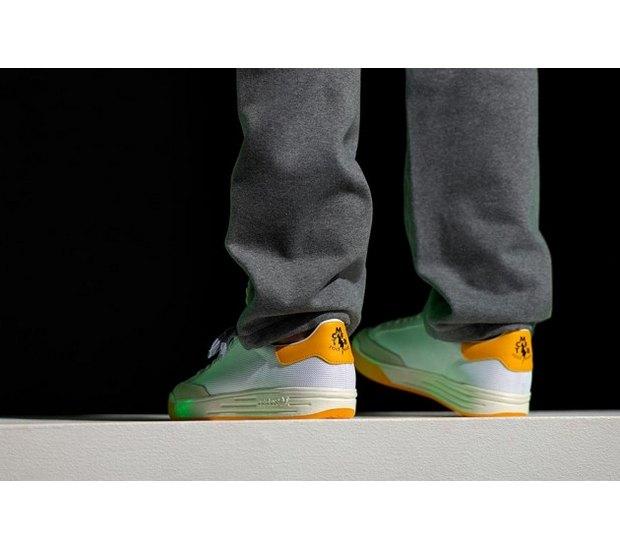 Марка Adidas Originals и дизайнер Казуки Кураиши запустили новую линейку одежды. Изображение № 21.