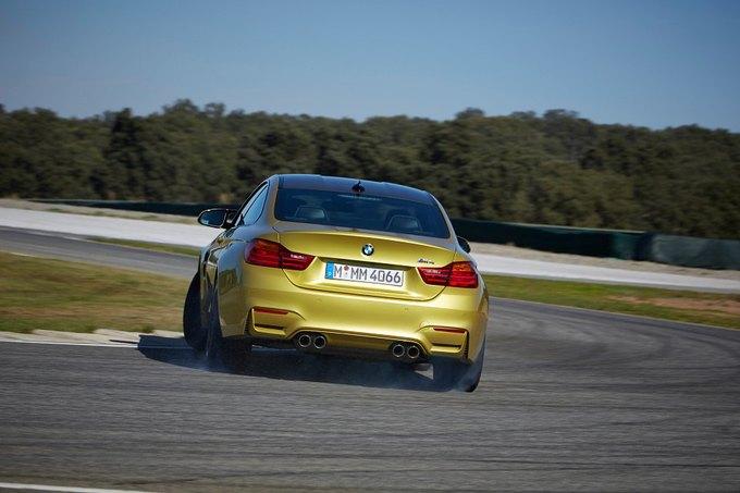 BMW представила новый седан M3 и купе M4. Изображение № 6.