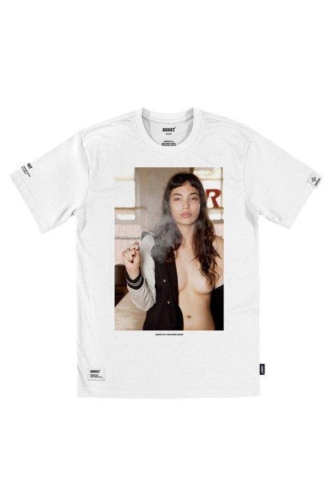 Марка Addict и фотограф Ричард Керн выпустили капсульную коллекцию футболок. Изображение № 2.