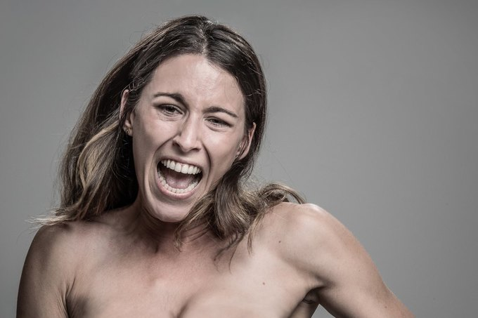 Фотограф снимал лица людей после удара шокером. Изображение № 26.