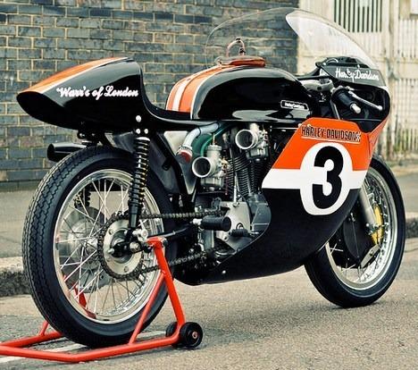Мастерская британского дилера Warr's отреставрировала гоночный Harley-Davidson XRTT-750 . Изображение № 2.