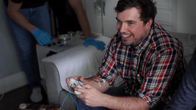 Новый контроллер забирает кровь геймеров за ранения в игре. Изображение № 1.