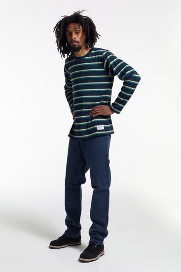 Марка Stussy опубликовала второй лукбук новой коллекции одежды своей линейки Holiday. Изображение № 4.