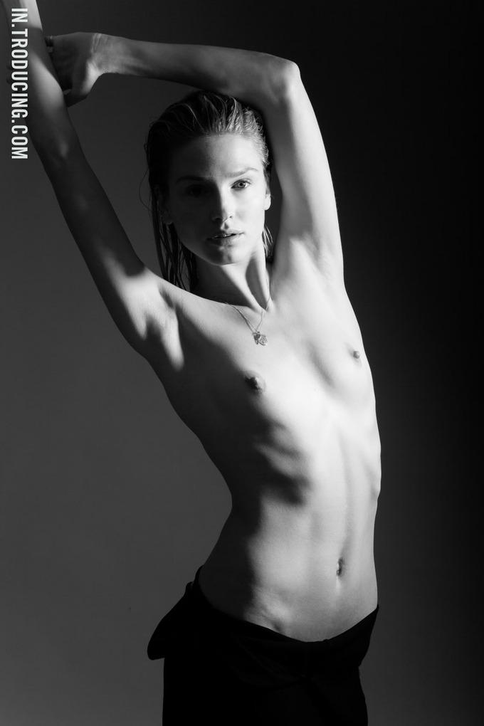 Норвежская модель София Лай снялась у фотографа Алекса Фрейда. Изображение № 6.