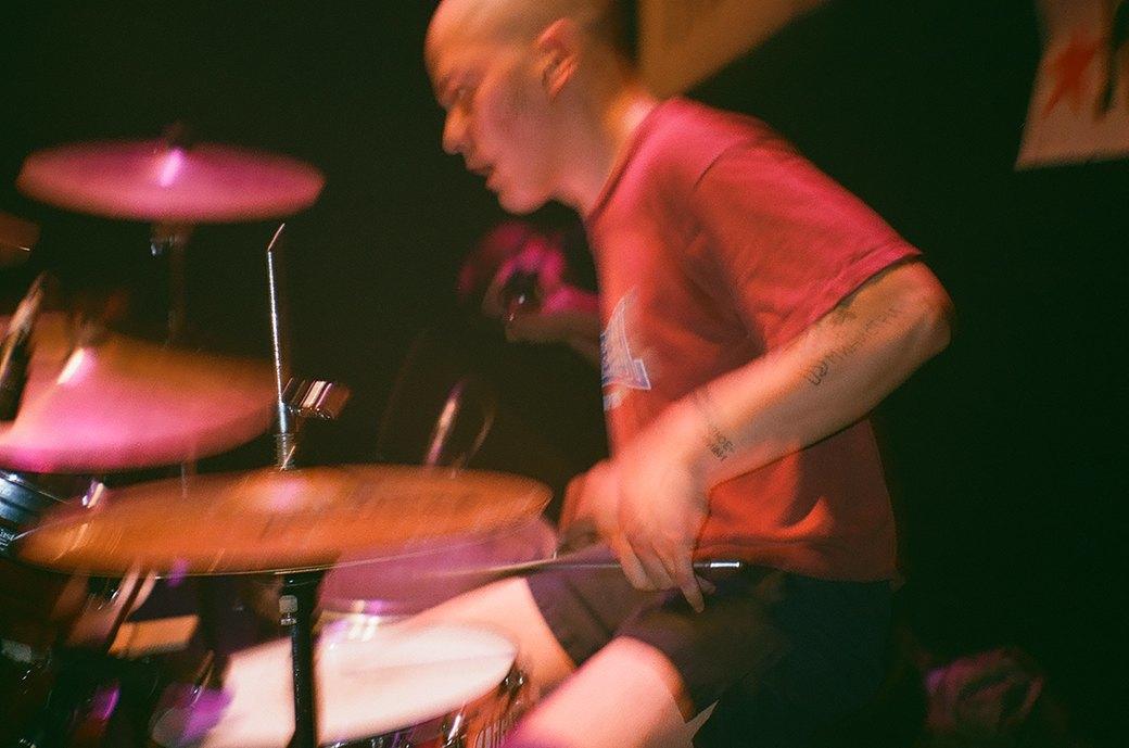 Фоторепортаж: Концерт «Панк-фракции красных бригад» в театре имени Вс. Мейерхольда. Изображение № 23.