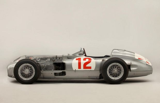 Самый дорогой болид «Формулы-1» в истории ушел с молотка. Изображение № 2.
