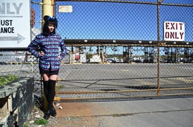 Марка Mishka опубликовала лукбук новой коллекции одежды своей линейки Holiday. Изображение № 20.