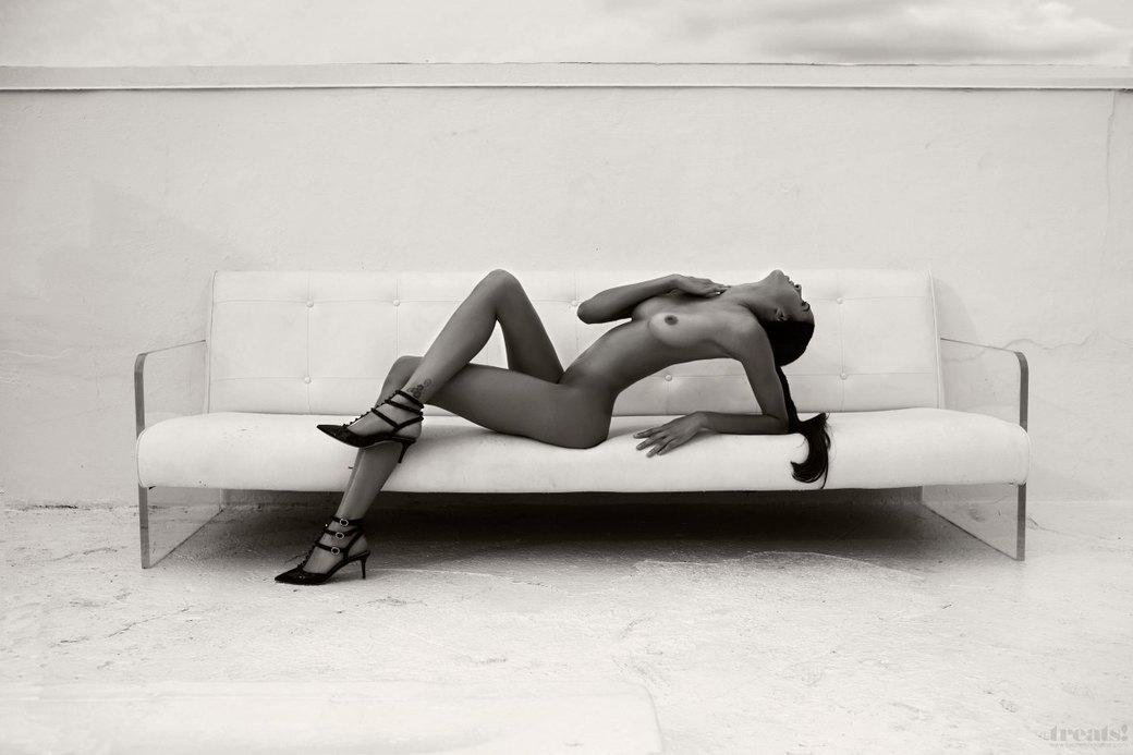 Джеймс Расселл сфотографировал американскую модель Алексу Кейр для нового номера журнала Treats!. Изображение № 6.