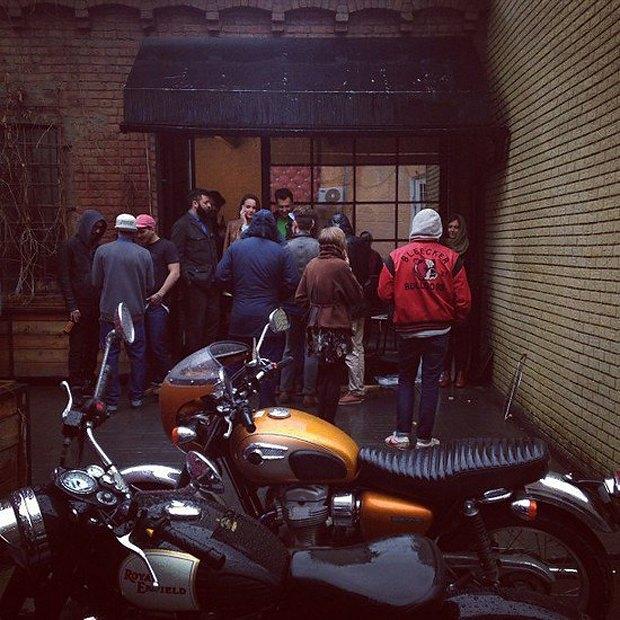 Создатели Clevermoto откроют кафе-мастерскую в середине мая. Изображение № 1.