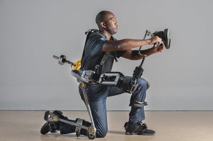 В США создали экзоскелет для рабочих. Изображение № 2.