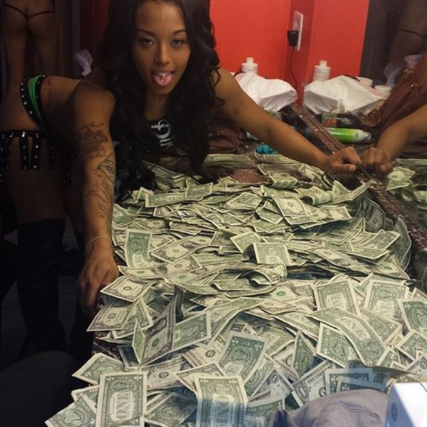 Stripper Locker Room: Блог с селфшотами стриптизёрш. Изображение № 61.