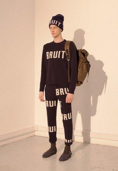 Марка Undercover опубликовала лукбук осенней коллекции одежды. Изображение № 28.