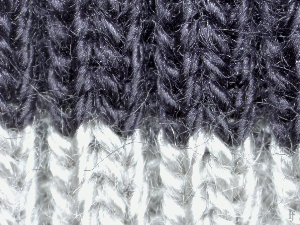 Фотоувеличение: Осенние куртки под промышленным микроскопом. Изображение №25.