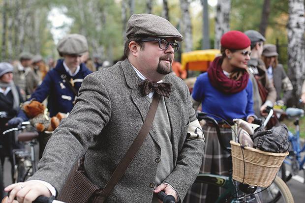 Детали: Репортаж с велозаезда Tweed Ride Moscow. Изображение № 2.