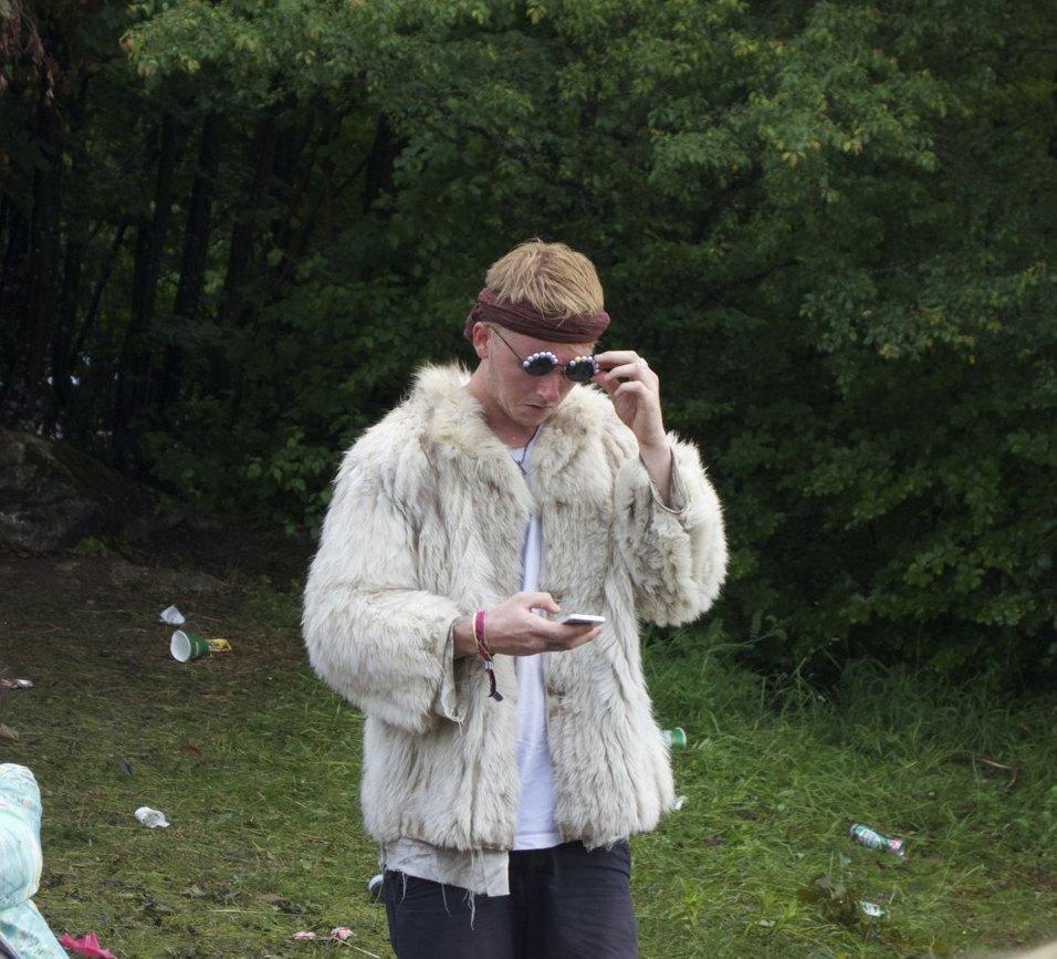 Фотопроект: Как британцы бегут от цивилизации на фестиваль в лесах Болгарии. Изображение № 20.