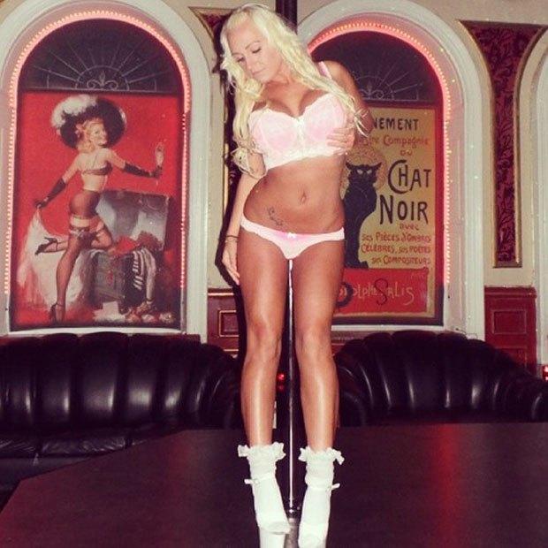 Stripper Locker Room: Блог с селфшотами стриптизёрш. Изображение № 48.