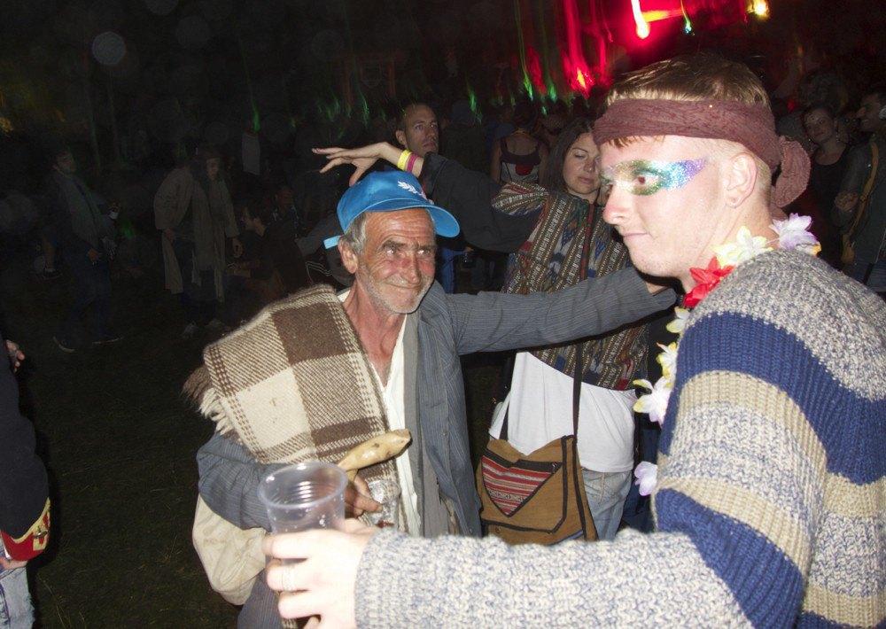 Фотопроект: Как британцы бегут от цивилизации на фестиваль в лесах Болгарии. Изображение № 9.