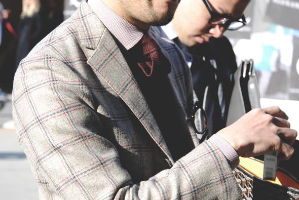 Детали: Репортаж с выставки мужской одежды Pitti Uomo. День первый. Изображение № 66.