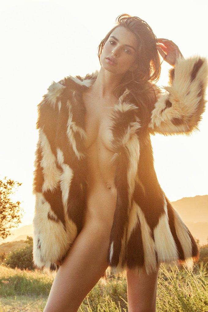 Модель Эмили Ратажковски снялась для журнала Galore Magazine. Изображение № 1.