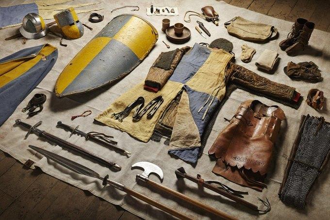 Британец сфотографировал всё военное снаряжение начиная с XI века. Изображение № 2.
