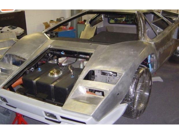 Американец за 17 лет собрал у себя в подвале реплику Lamborghini Countach. Изображение № 11.