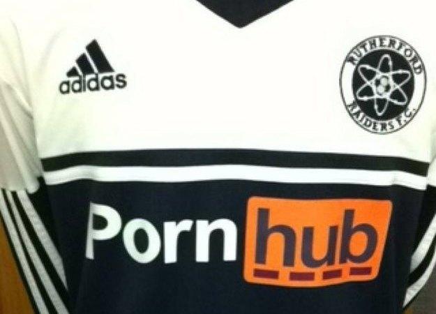 Pornhub запретили спонсировать футбольную команду . Изображение № 1.