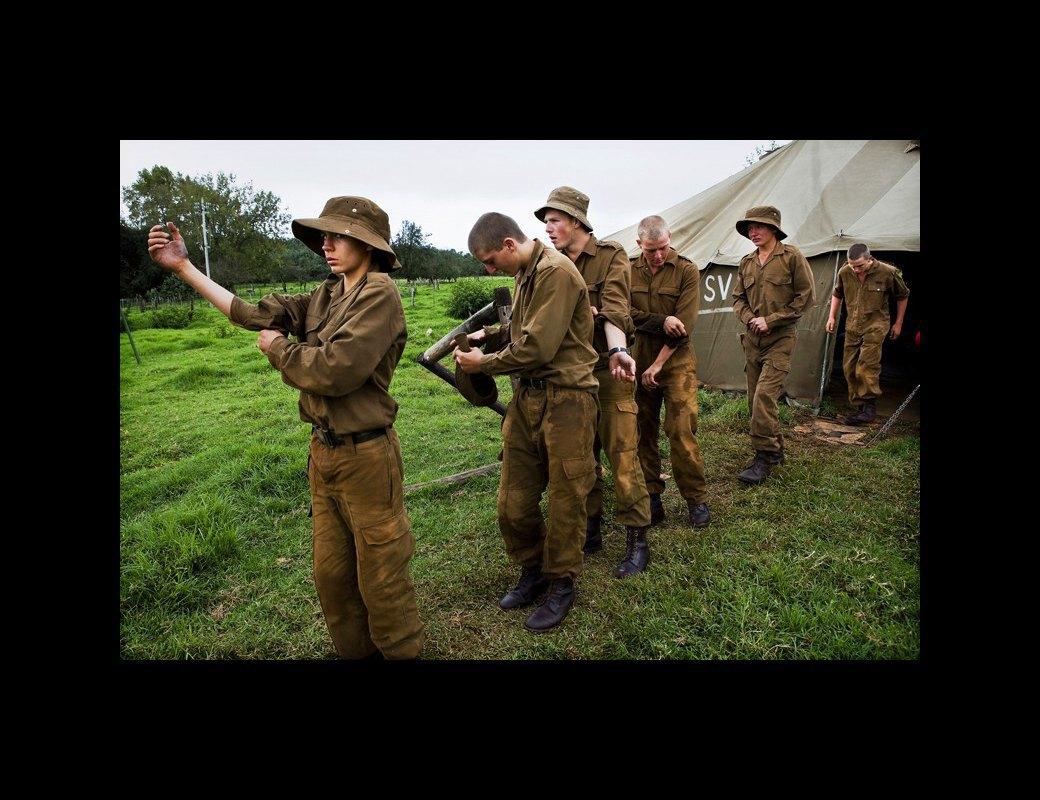 Как подростков ЮАР обучают межрасовой войне в националистических лагерях . Изображение № 4.