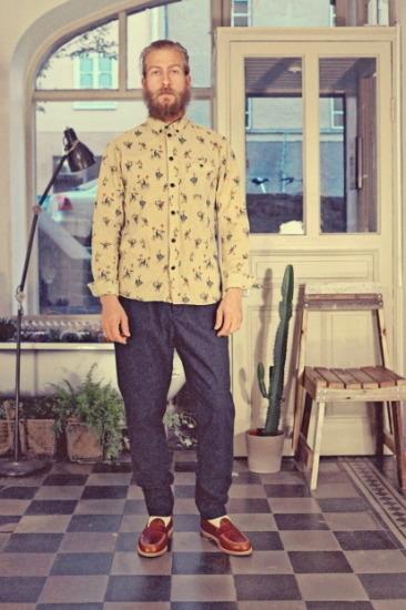 Марка Uniforms for the Dedicated опубликовала лукбук весенней коллекции одежды. Изображение № 9.