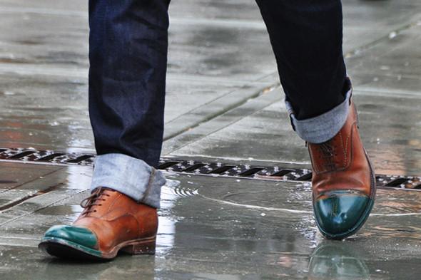 Изображение 12. Шарфы, клатчи, клетчатые пиджаки и подвернутые джинсы.. Изображение № 68.