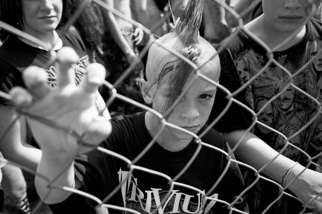 Музыка нас связала: Фотограф Эрин Фейнберг десять лет снимает фанатов на концертах. Изображение № 1.