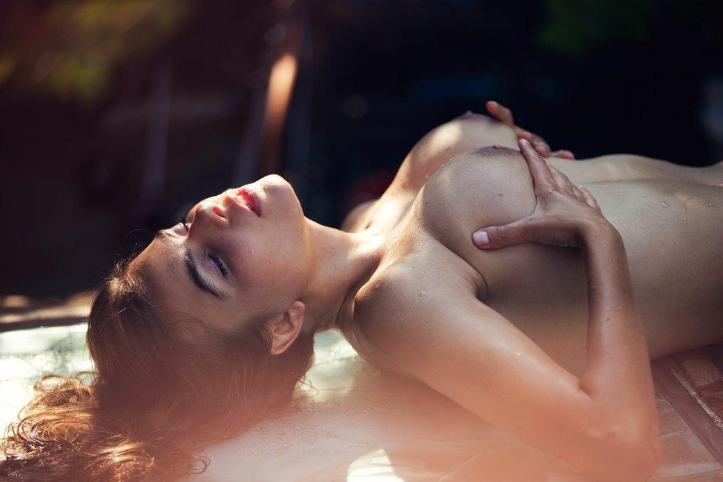Дэвид Бельмере сфотографировал русскую модель Алину Алилуйкину для нового номера журнала Treats!. Изображение № 9.