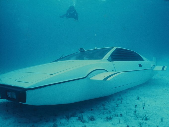 Автомобиль-подлодка Джеймса Бонда выставлен на аукцион. Изображение № 1.