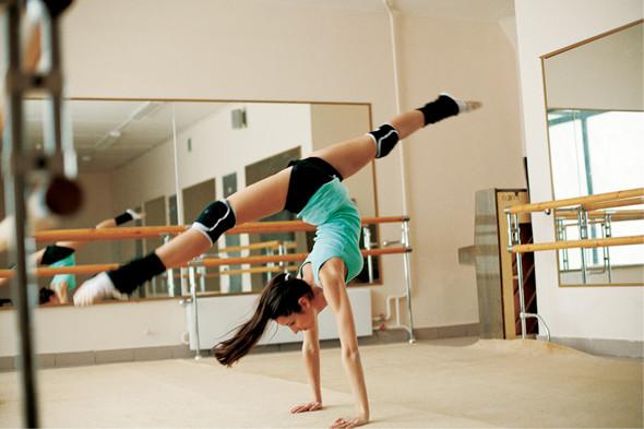 Классические формы: Танцовщица. Изображение № 9.