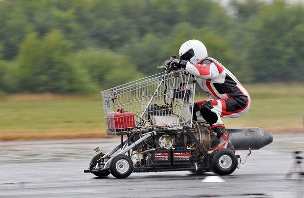 Британец проехал на тележке из супермаркета со скоростью 113 км/ч . Изображение № 1.