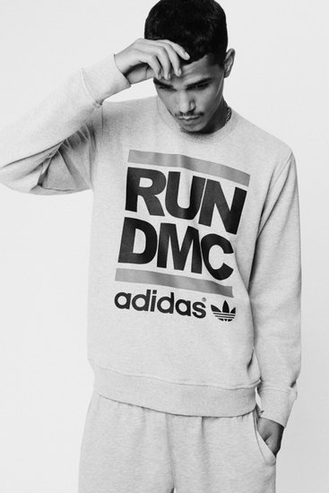 Марка Adidas Originals и хип-хоп-коллектив Run-D.M.C. выпустили совместную коллекцию одежды. Изображение № 1.