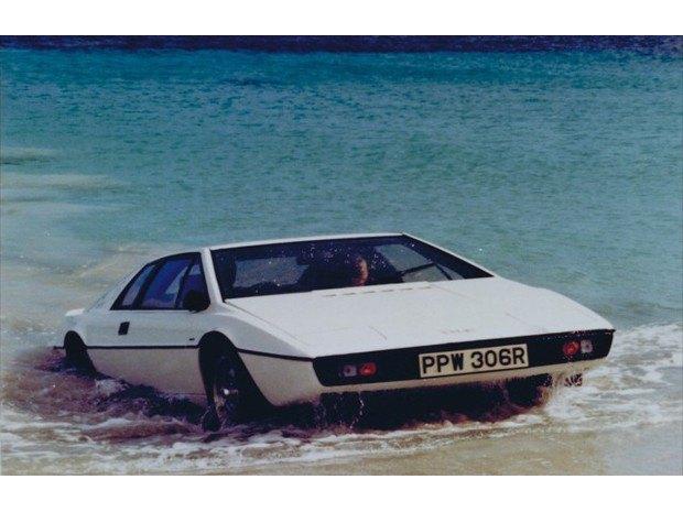 Автомобиль-подлодка Джеймса Бонда выставлен на аукцион. Изображение № 6.