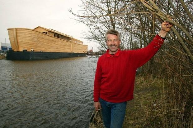Голландец построил Ноев ковчег в натуральную величину, чтобы спасти свою страну от наводнения. Изображение № 1.