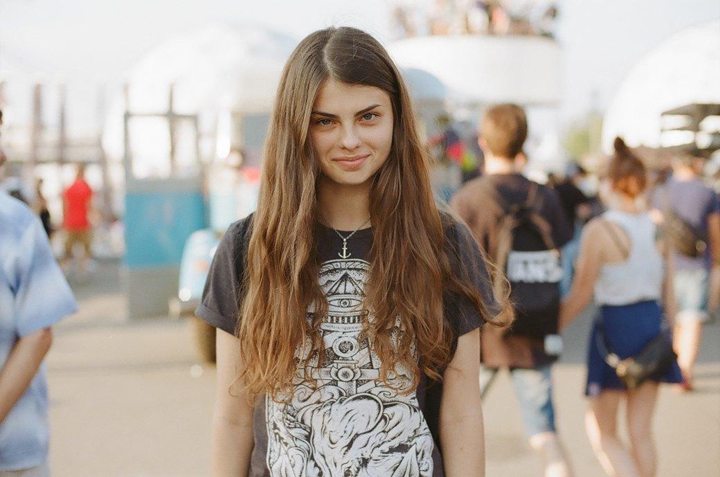 Красивые девушки на выставке Faces & Laces. Изображение № 5.