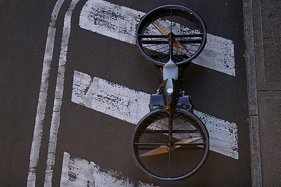 Изображение 12. Men's Digest: Деревянные велосипеды, летающие мотоциклы и книга Марка Гонсалеса.. Изображение № 7.