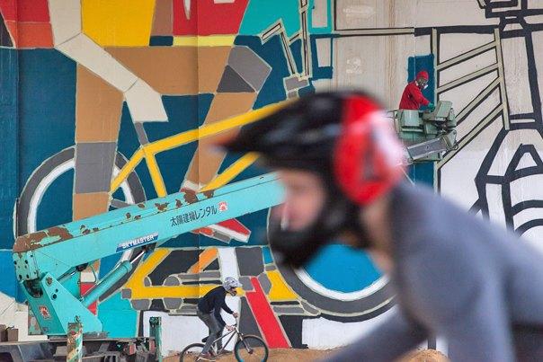 Дмитрий Аске выполнил масштабную работу, посвященную велосипедистам. Изображение № 1.