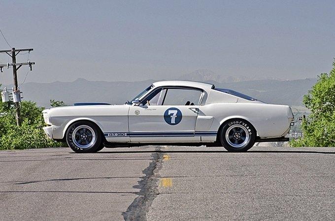 Маслкар Shelby GT350 автогонщика Стирлинга Мосса выставлен на аукцион. Изображение № 2.