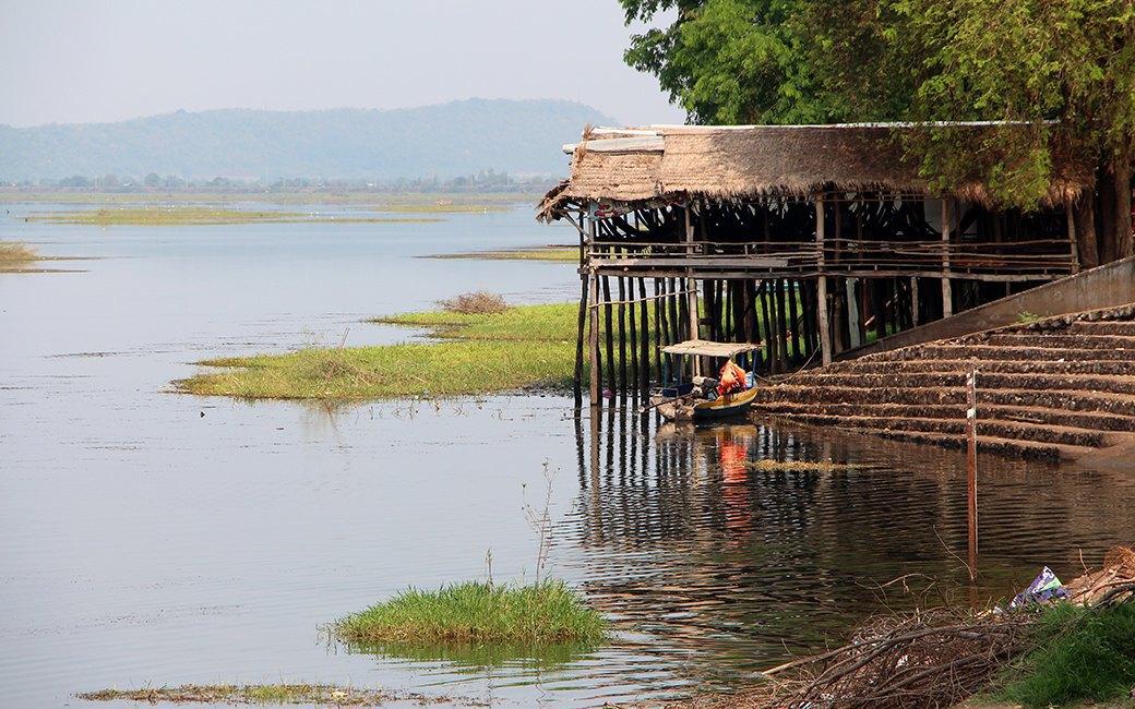 Две девушки и один мотоцикл: Путешествие по Камбодже. Изображение № 6.