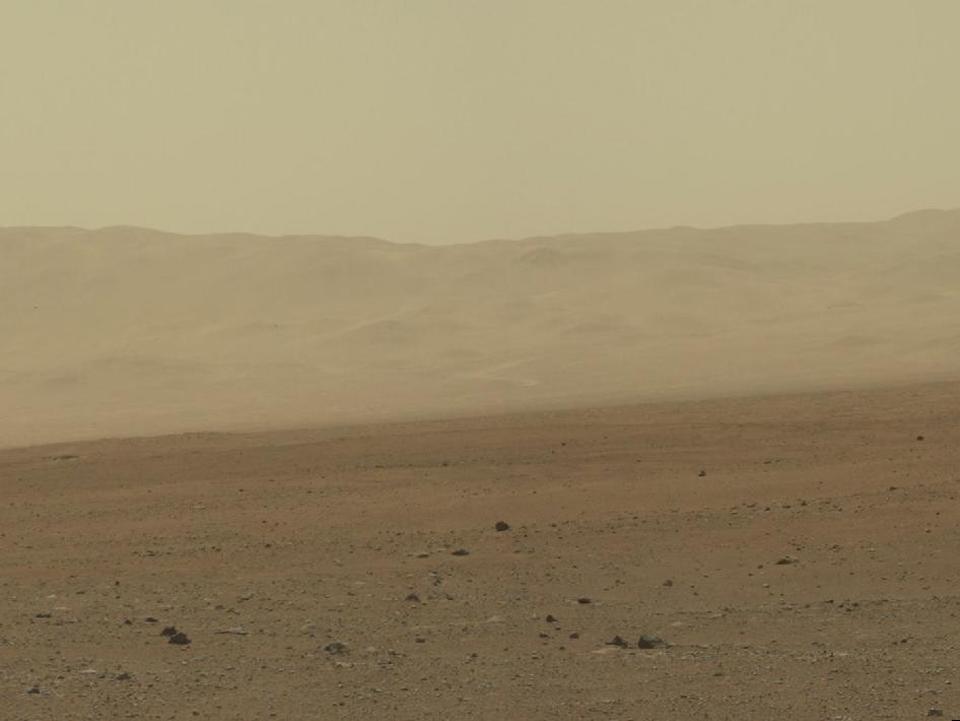 10 фотографий с марсохода Curiosity и поверхности Красной планеты. Изображение №9.