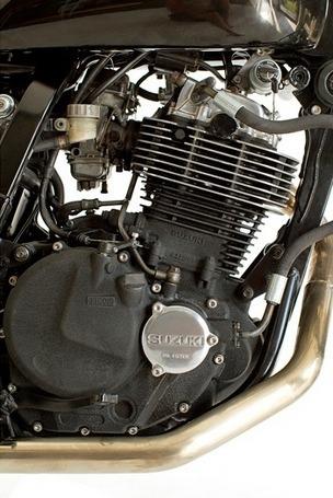 Мастерская Deus Ex Machina выпустила кастомный мотоцикл на базе Suzuki DR650. Изображение №10.