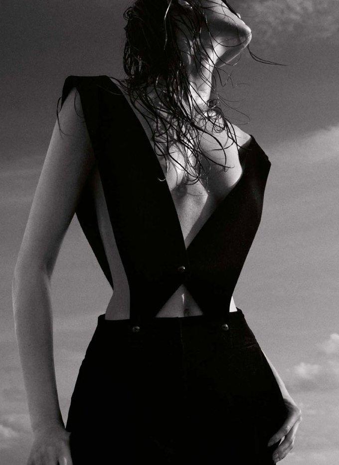 Польская модель Моника Ягачак снялась в эротической фотосессии. Изображение № 8.