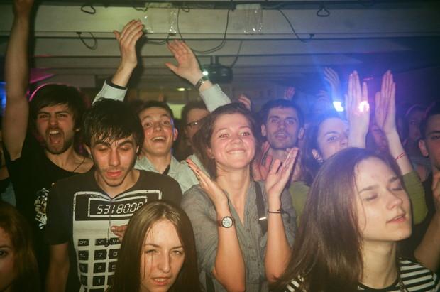 Фотоотчет с гастролей группы Motorama. Изображение №37.