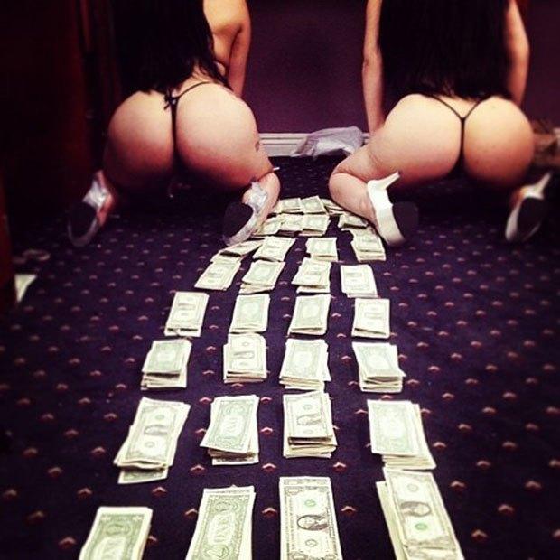 Stripper Locker Room: Блог с селфшотами стриптизёрш. Изображение № 8.