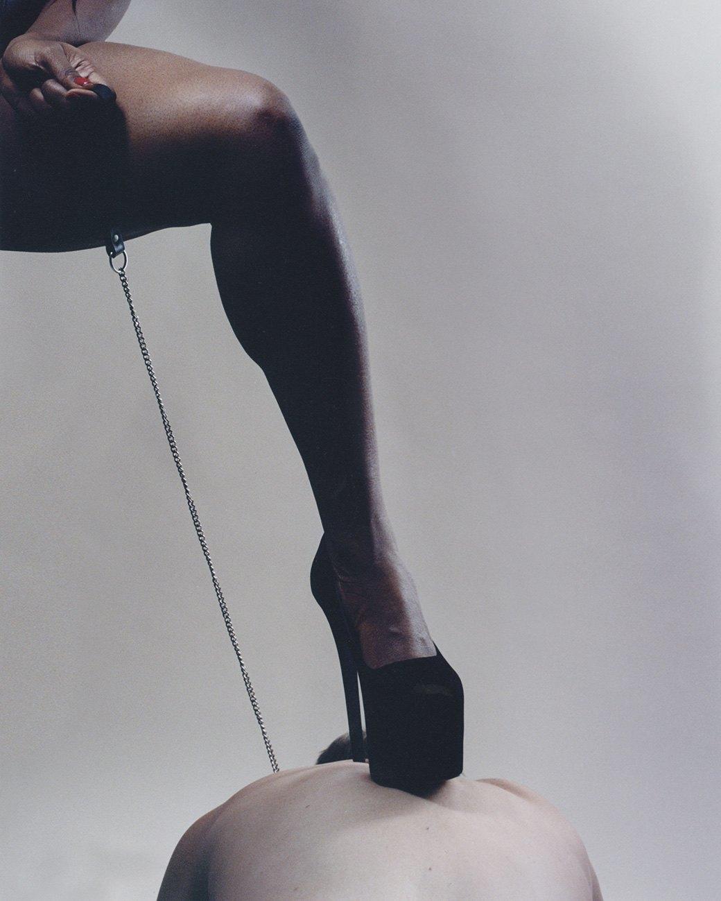 Моя госпожа: Фотограф Кейт Питерс исследует вопросы доминирования женщин в сексе. Изображение № 17.